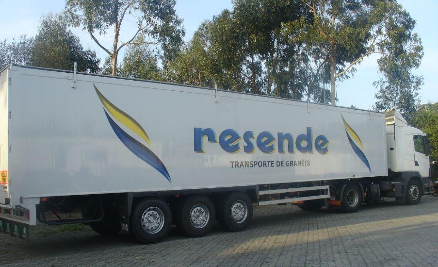 camião transporte mercadorias