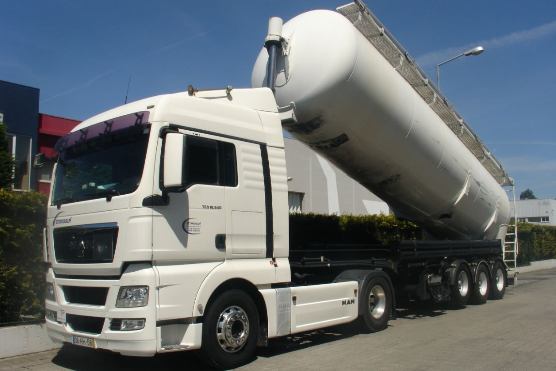 camião transporte de mercadorias